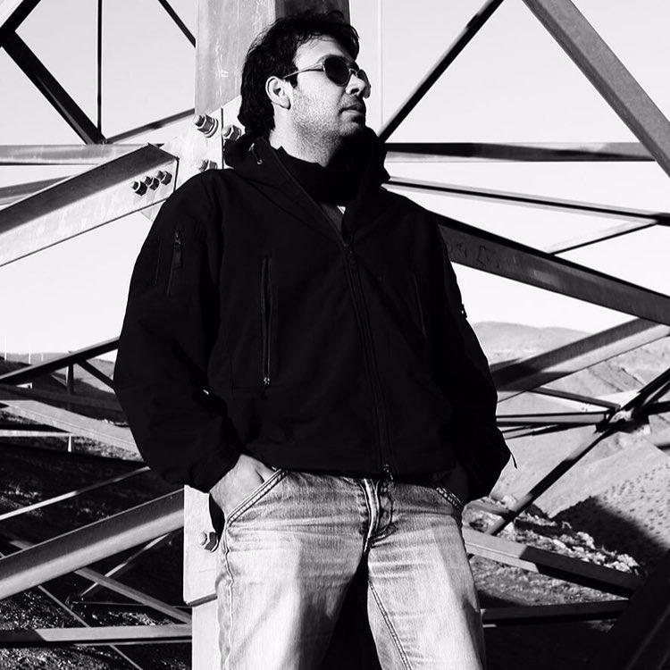 دانلود موزیک ویدئو جدید محسن چاوشی به نام تنهاترین